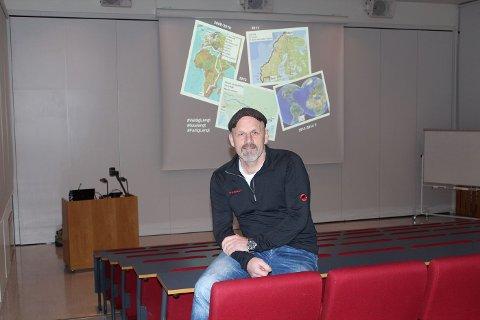 DRØMMER OG VISJONER: Karrieredagen på Eikeli ble innledet av foredragsholder Bjørn Heidenstrøm.