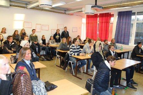 STOR INTERESSE: Mange var interessert i eiendomsmegler og mamma Gøril Berghs foredrag.