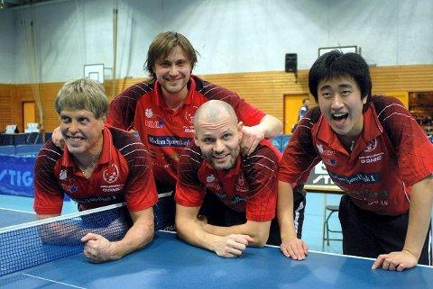 grunnspillmesterne. Fra venstre Roar Blikken, Dag Frode Lobben, Istvan Moldovan og Wang Bing.
