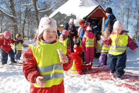 Elise (4 år) koste seg på skidagen i Melløsparken.