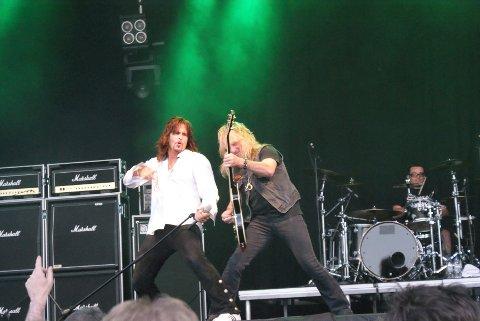 Gotthard-vokalisten Steve Lee er blitt syk og dermed må bandet avlyse kvledens konsert på Byscenen. Bildet er hentet fra konserten i Kopervik i juni i fjor.