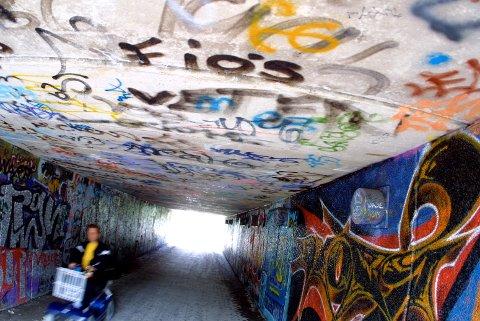 Tagging har tidligere vært et stort problem i St.Croix-undergangen. Dette bildet er tatt i 2001.