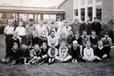 Fra 7. klasse på Lambertseter skole i 1961. Helt øverst til venstre; Mads Gilbert. Bakerst: lærer Laila Stenerud.