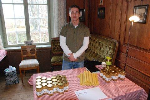 Jørgen Hauge solgte honning under årets julemarked på Torderød gård.