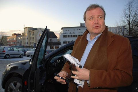 Niels Wiig mener Sverre Alhaug Høstmark i denne saken har vist manglende folkeskikk.