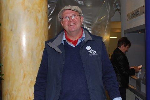 Rune Jahnsen fra foreningen Drammenselvas Venner kunne fortelle at de skulle doble beløpet de hadde samlet inn til Kreftforeningen.
