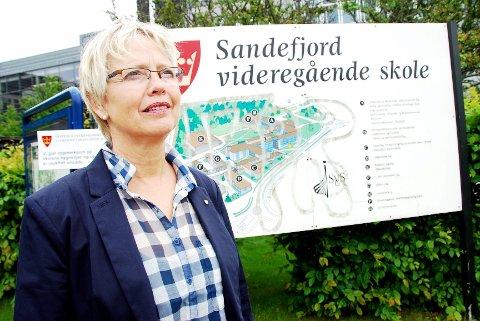 - Nei, dette var leit. Dette skal vi ta opp i morgen den dag, sier assisterende rektor Anne Berit Smestad etter flaggmissen ved SVGS.