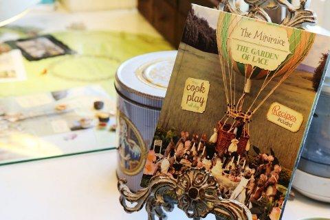 Lørdag lanseres boken «The Minimice in the garden of lace» som handler om en musefamilie som flytter fra byen til landet.