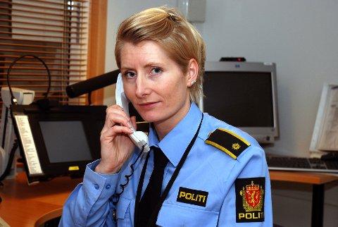 Operasjonsleder Cathrine Klæstad ved Vestfold politidistrik mener det er skremmende at bilføreren setter seg selv og andre i fare.