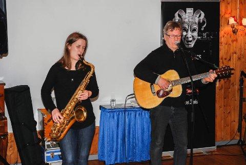 Hanna Paulsberg og Håkon Paulsberg spilte på Skihytta.