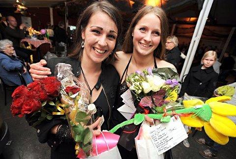 Ble hyllet Sara Hadjian og Tina Johansen fikk gratulasjoner av alle igår. Alle fotos: Geir A. Carlsson