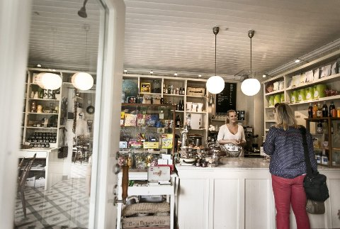 Visning: Lørdag kommer både kafégjester og potensielle kjøpere til å besøke Svartskog Kolonial samtidig.