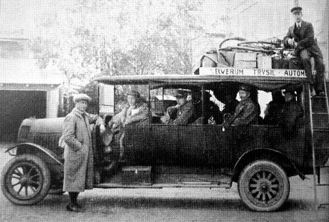 FØRSTE: Elverum-Trysil Automobilselskap ble startet i 1908 med hotelleier Olaf Haagensen på Hotel Central som disponent. Selskapet var Hedmarks første.