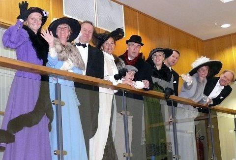 Her er fiffen, de som reiser på førsteklasse med Titanic. I morgen går de ombord i Kolben.