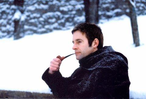 Piperøking er en kunst som pipemaker Bård Hansen behersker.