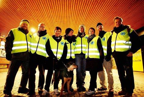 Dette bildet er tatt i 2008 mens rekkene fortsatt var samlet. F.v.: Sindre W. Mork, Bengt Holar, Ellen Jacobsen, Bente Holar, Mats Persson, Anne Askersrud, Roger Halvorsen og Magne Bentzen.
