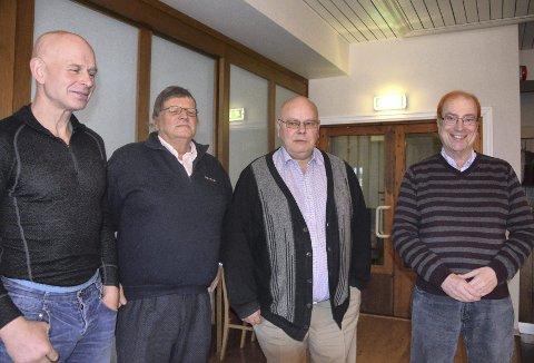 LANG KAMP: Fra venstre støttespiller Arild Johannesen, Jan Erling Aker, advokat Øyvind Miller og Georg Rønning fra Foreningen Fattignorge. Jan Erling Aker er glad for at 14 års kamp nærmer seg slutten.