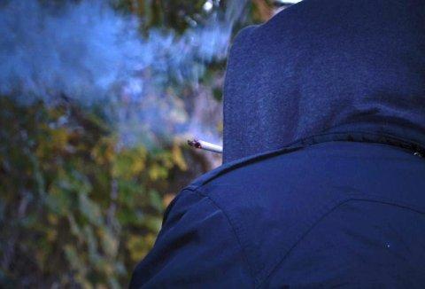 PÅSTÅR ØKNING: «Jonas» og Axel Engh mener begge de ser en økning i narkotikaforbruket blant unge.ILLUSTRASJONSFOTO: EDVARD LINDHEIM GISNÅS