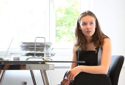 søkte råd: Ingrid (18) fra Asker er blant de mange unge som søker råd for å få vite hva hun bør bli. FOTO: EVA GROVEN