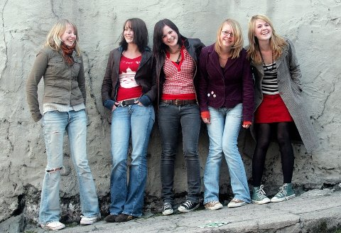 KLARE FOR VERDEN: Fra venstre: Siri Sveen Halland, Malin Knutsen, Linn Frøkedal, Marit Vatnem Olsen og Annette Kathinka Servan.