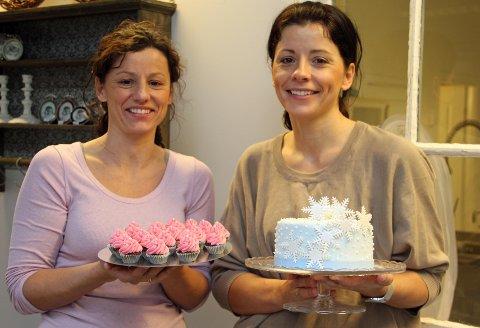 Det er ikke bare kakemomser i Sande som gleder seg til tirsdag, det gjør også Ruth Kronstad (f.v.) og Mirjam Ødegård.