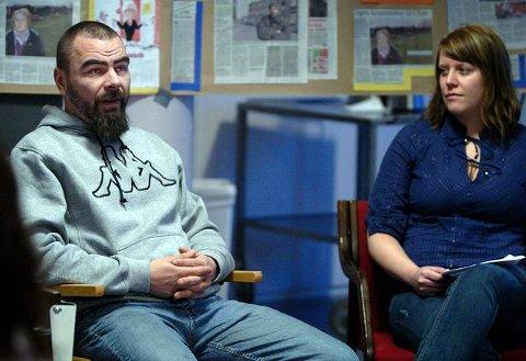 Ga innblikkJoar Kaasa er bostedsløs. Mandag ble han intervjuet av sosionomstudent Celine Østli Andersen, på et seminar for sosionomutdanningen på høyskolen. Foto: Geir A. Carlsson