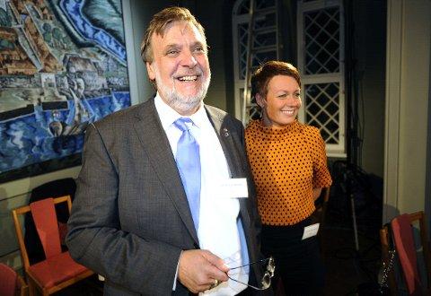 Peter Kuran og Høyre har gjort det beste valget i Fredrikstad siden begynnelsen på 1980-tallet. Her er han i NRKs lokaler i Gamlebyen med KrFs Line Henriette Holten Hjemdal.