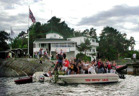 REDDET: Den populære sjøleiren på Høyerholmen er trolig sikret etter at politikerne ønsker å få langsiktig avtale med Tomm Murstad.