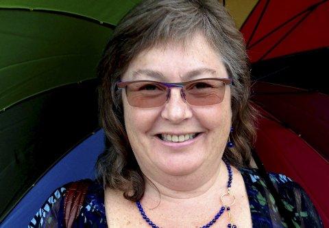 ETTERLYSER: Brith Dybing mener helsemyndighetene må vie avhoppere fra usunne religiøse miljøer oppmerksomhet ved å gi et kvalifisert psykiatrisk tilbud. Hun berømmer Heidi Spange Slettemos mot.