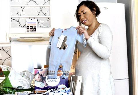Stine Jørgensen har pusset opp leiligheten og forbereder et hjem for seg og lillegutt.