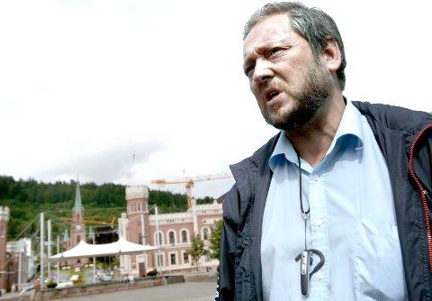 Freddy Hoffmanns dager som varaordfører er trolig talte etter at han tapte nominasjonskampen mot rivalene Jon Helgheim og Ulf Erik Knudsen.