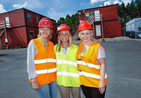 Fra venstre: Hedda Teig Halvorsen fra Son, Camilla Simonsen Brustad fra Vestby og Ida Fæster Thom fra Rygge har alle fått jobb som traineer ved Sykehuset Østfold.