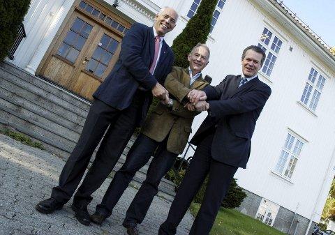 SAMARBEID: Hof-ordfører Olav Bjørli, Re-ordfører Thorvald Hillestad og Holmestrand-ordfører Alf Johan Svele ønsker at de tre kommunene skal samarbeide tettere. Foto: Erik Munsterhjelm