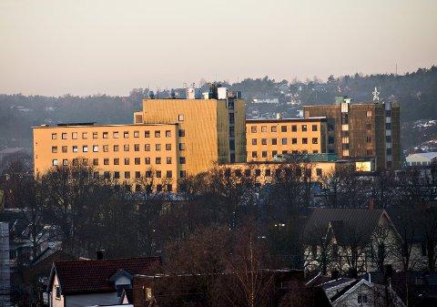 Uviss skjebne: Sykehuset har i flere tiår satt sitt preg på Cicignon i Fredrikstad. Det er uvisst hva som skjer med bygningene etter at sykehuset har flyttet til Kalnes.