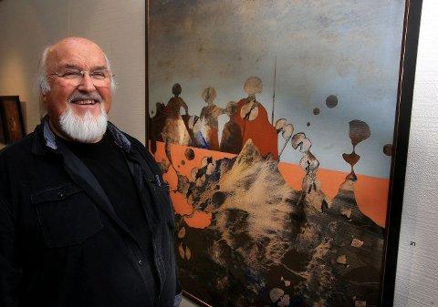 VOLUM-VINNER: Jørgen Holens småbilder til 1.000 kroner solgte han totalt ti av. Her ved et av sine større maleri.