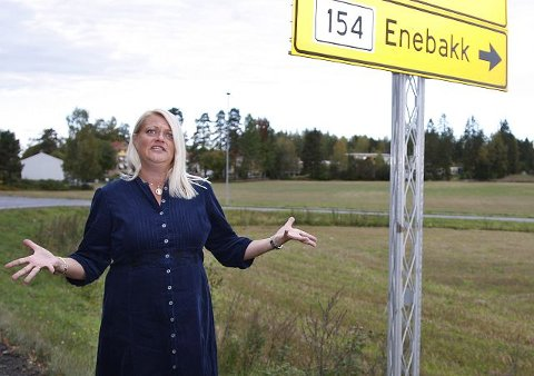 Helvi Saltnes er leder i Enebakk kulturforum. Hun fortviler over kulturforumets manglende oppslutningen fra lag, foreninger og kulturinteresserte i kommunen. ¿ Uten engasjement og innspill fra innbyggerne blir det gravøl.