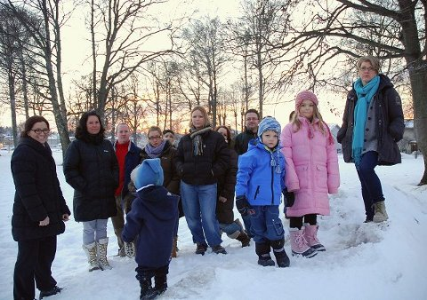 Foreldre, barn og ansatte ved Hundremeterskogen barnehage sier et rungende nei til at Rabekk museum og en låve skal plassers i Melløsparken. De vil bevare parken som den grønne lungen den er.