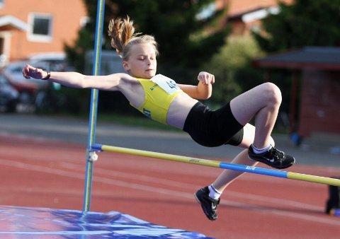 Caroline Haugan fra BSK hoppet 1,20 meter i høyde.