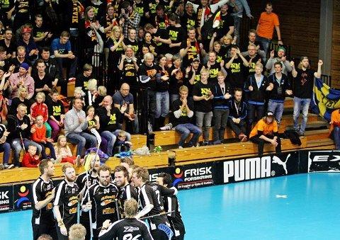 Slevik kunne juble etter 14-9 seieren i NM i innebandy mot Tunet søndag.