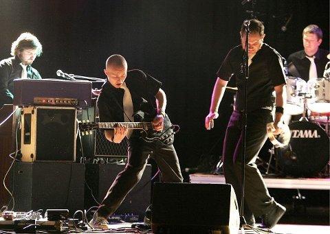 <b>MESTERE: </b>Graceland Gospel med Runar Gundersen vokal, Ola Rossehaug gitar, Espen Haugland trommer, Anders Helliesen bass og Stian Thunder piano.