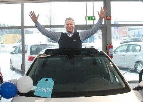 VW- ansvarlig hos Møller Bil Fredrikstad Thomas A. Andersen kan juble over å være i salgstoppen for 17. år på rad.