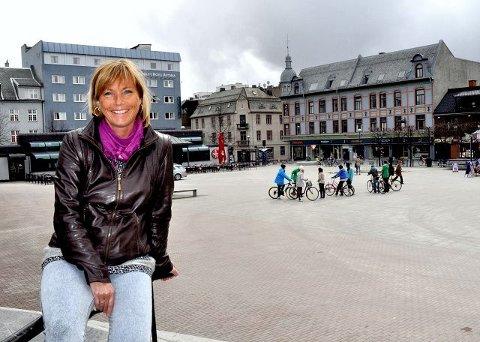 Jazzkvartalet: Anja Katrine Tomter har omdøpt området rundt Østre Torg, Astoria og det game rådhuset til jazzkvartalet. Festivalsjefen håper på folkefest i helga.Foto: Tore Svensrud