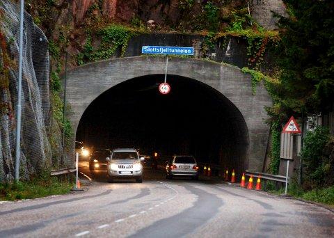 Slottsfjelltunnelen stenger torsdag ettermiddag.