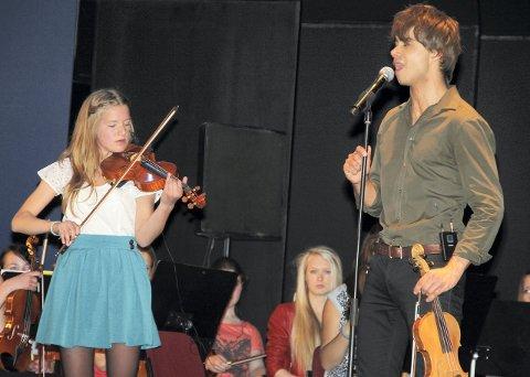 SOLO: Selma French Bolstad (16) fra Ås spilte solo under konserten.