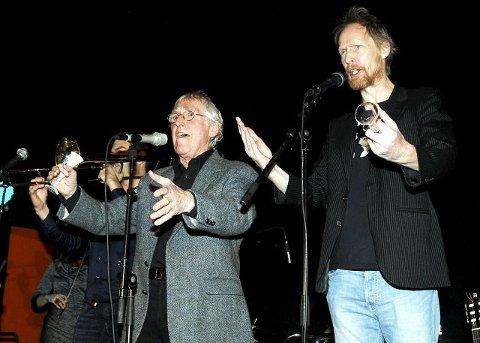 Duo: Alf Cranner og Gunnar Källstrøm i fri utfoldelse. Her fremfører de «Tivolisangen».