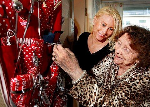 GJENGJELD: Mormor Ragnhild Stauning (83) er over seg av takknemlighet. – Man høster som man sår, sier Hanne Kvigne.