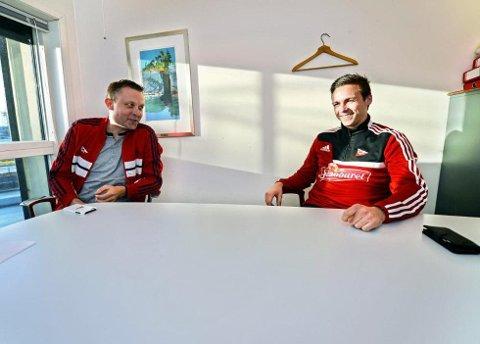 Steffen Nystrøm (til h.) ble i dag presentert som ny FFK-spiller. En signering FFK-sjef Geir Bakken er svært godt fornøyd med.