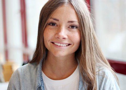 """TOPPBLOGGER FRA MOSS: """"Maddepaddee"""", Madeleine Pedersen (17) er et godt forbilde via bloggen."""