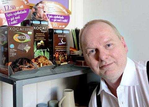 nettverk. Jon-Atle Babsvik (53) mottar royalties for sjokoladen XoCai fra sitt kontor på Cicignon i Fredrikstad. foto: geir a. carlsson