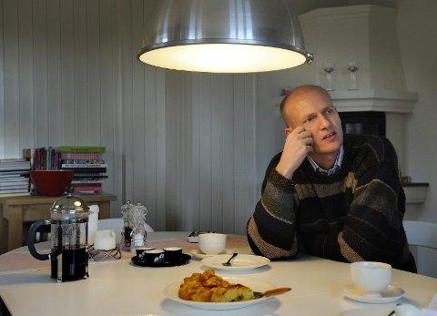 Werp har også solid partibakgrunn. Han var en meget avholdt ordfører i Øvre Eiker i ti år, fra 1999 til 2009.